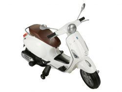 Vespa elektrische scooter voor kinderen
